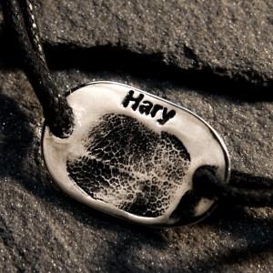 Srebrna biżuteria z odciskiem nosa